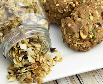 Toasted Muesli Protein Cookies