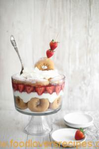 STRAWBERRY SHORTCAKE DOUGHNUT TRIFLE