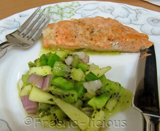 Grilled Salmon with Kiwi-Apple Relish