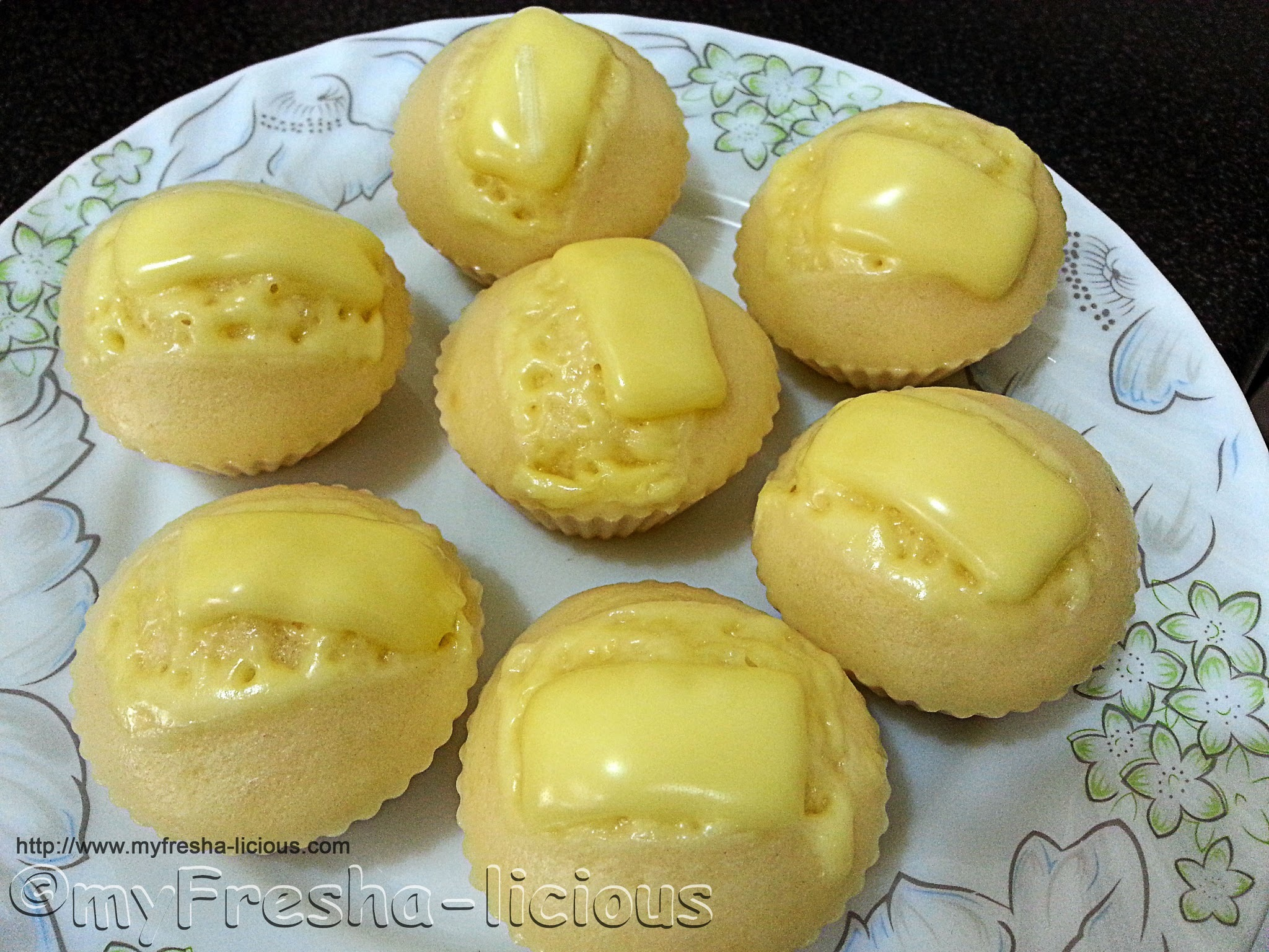 Puto Cheese (Steamed Cake with Cheese)