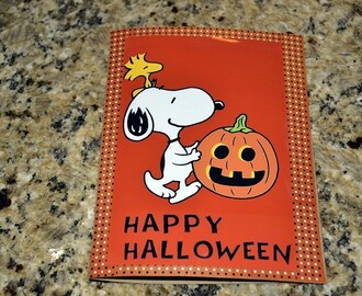 Peanuts Trick or Treat Bags & DIY Halloween Card #Shaws #PeanutsMovie