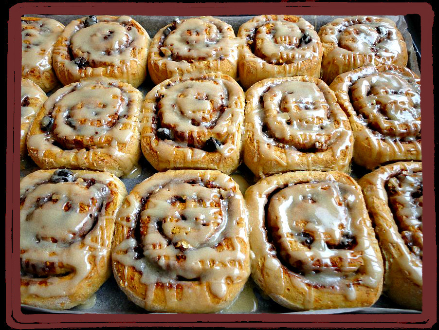 Healthy Cinnamon Rolls with Maple glaze