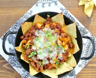 Loaded Nachos mit Cheddar