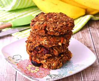 Apple and Carrot Oatmeal Cookies – Galletas de Avena con Manzana y Zanahoria