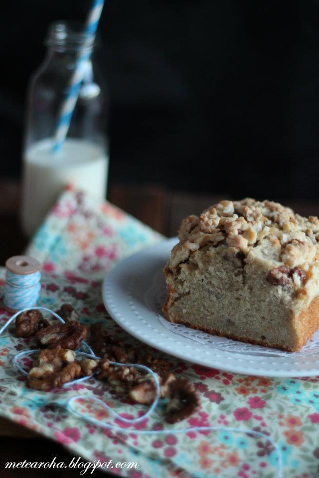 Banana Walnut Streusel Pound Cake