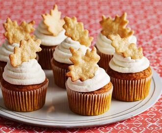 Give Thanks With These Pumpkin Pie Cupcakes and Tune In To Watch Two Thanksgiving Episodes of Holiday Baking Championship Nov. 15th and 22nd!