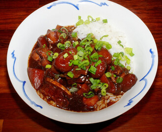 Red-braised pork with water chestnuts and carrots