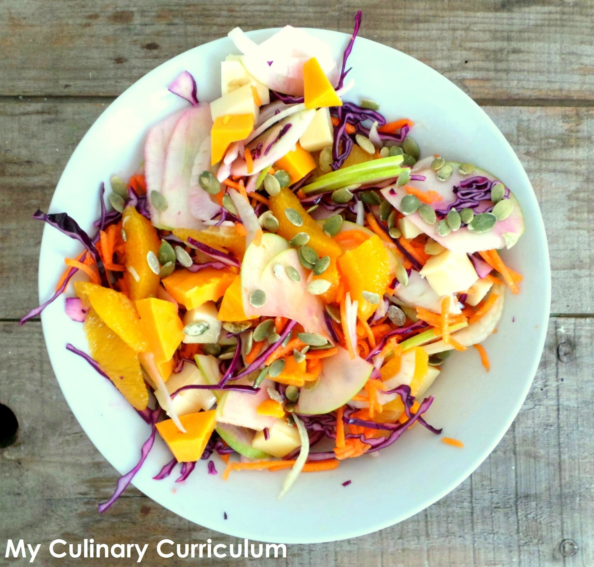 Salade d'hiver ultra gourmande au chou rouge, fenouil et puis plein d'autres choses encore (Winter salad with red cabbage, fennel and  many other things)