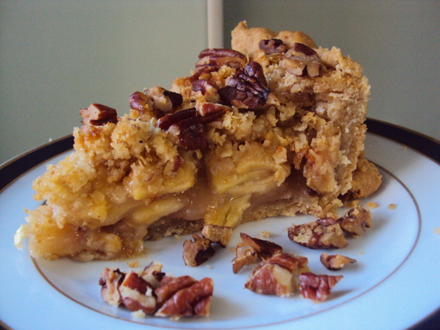 Apple Pie with Pecan Crumble