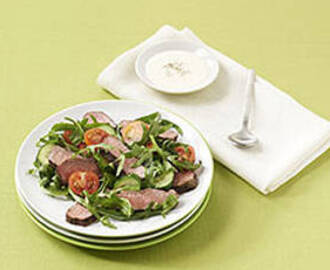 Lamb salad with yoghurt dressing