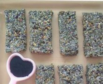 Green superfood power bars