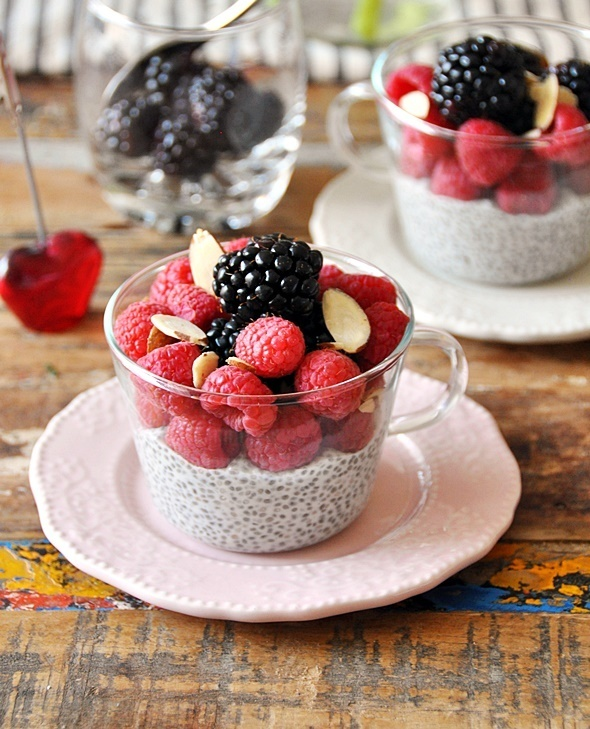 No Cook Dessert: Berries & Coconut Chia Seeds Pudding with Maple Syrup {Vegan Friendly, Gluten Free, Dairy Free}