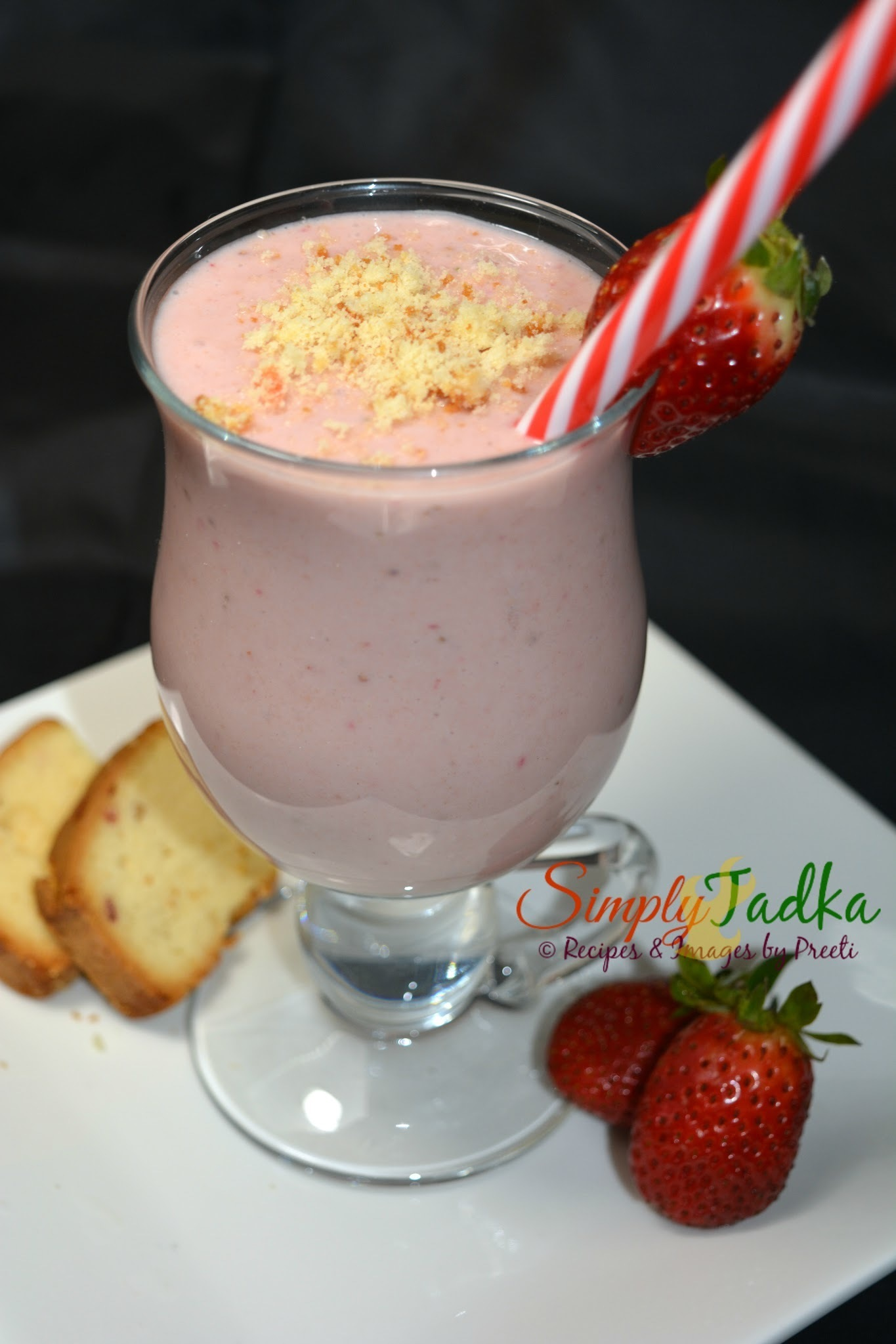 Strawberry Vanilla Cake Smoothie