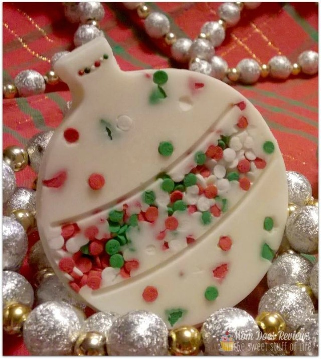 Chocolate Christmas Ornaments – {Day 3} #12DaysOf Christmas #Recipes #Crafts