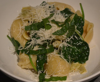 Artischocken Spinat Pasta mit Ofen geröstetem Knoblauch/Artichoke Spinach Pasta with Roasted Garlic (Deutsch & English)
