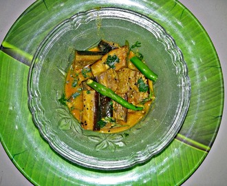 Shorshe Beguner Jhal - Eggplant in mustard gravy - An authentic Bengali dish