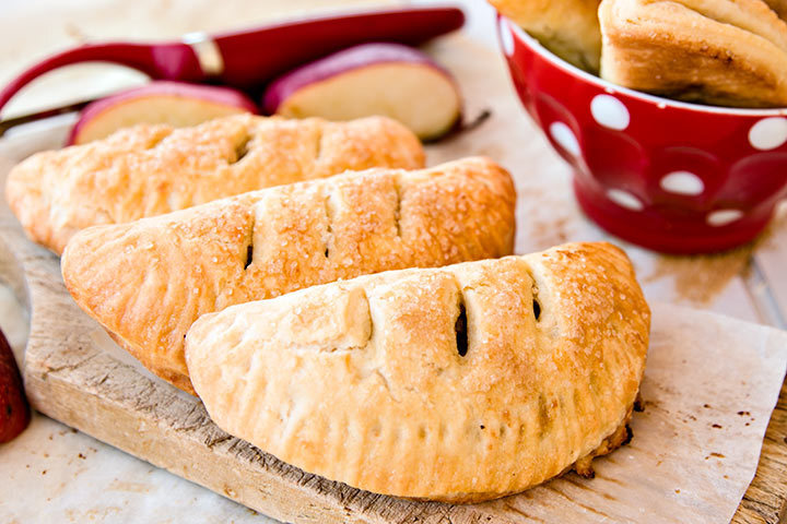 Hand pies with apple