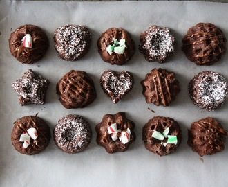 Brownie Bites w/ Mint Drizzle (in my tiny bundt pan)