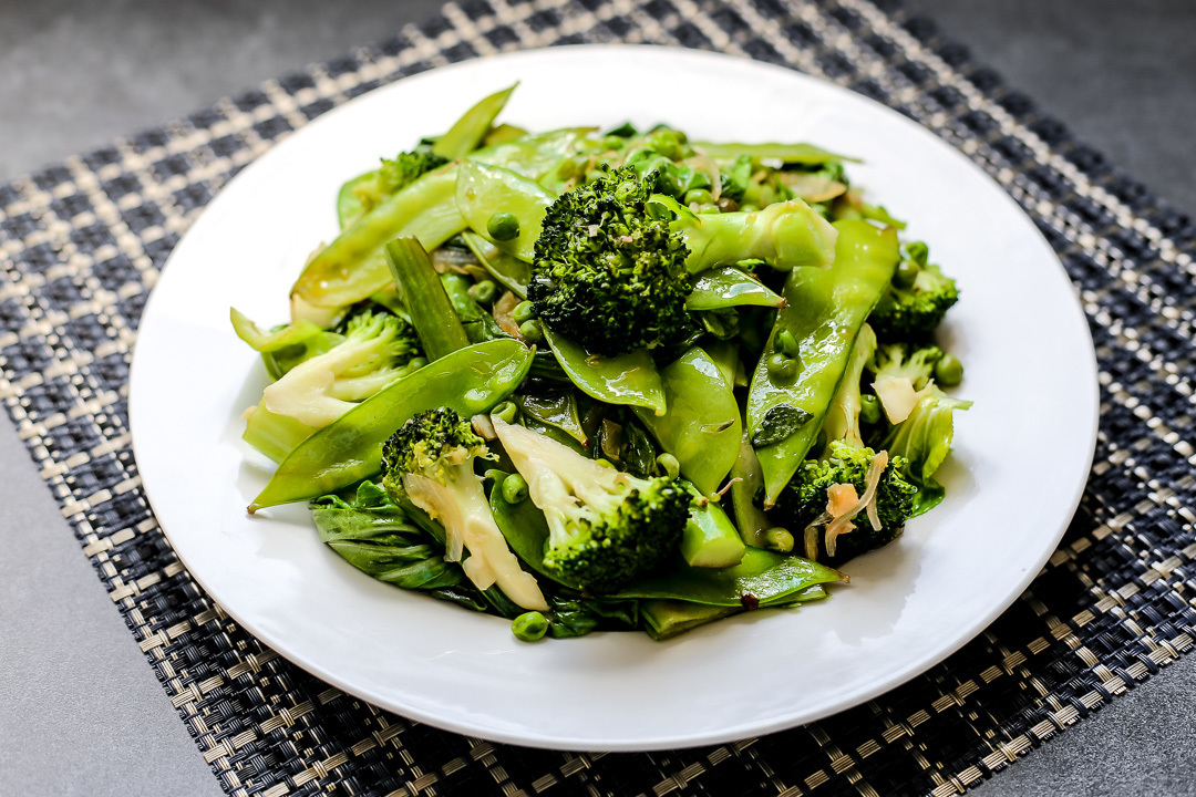 Stir Fried Green Vegetables in Oyster Sauce and Butter