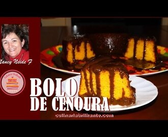 Bolo de cenoura com calda de chocolate - Carrot cake with chocolate syrup