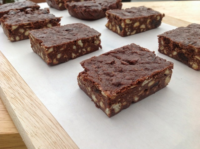 Chocolate Biscuit Fridge Bars