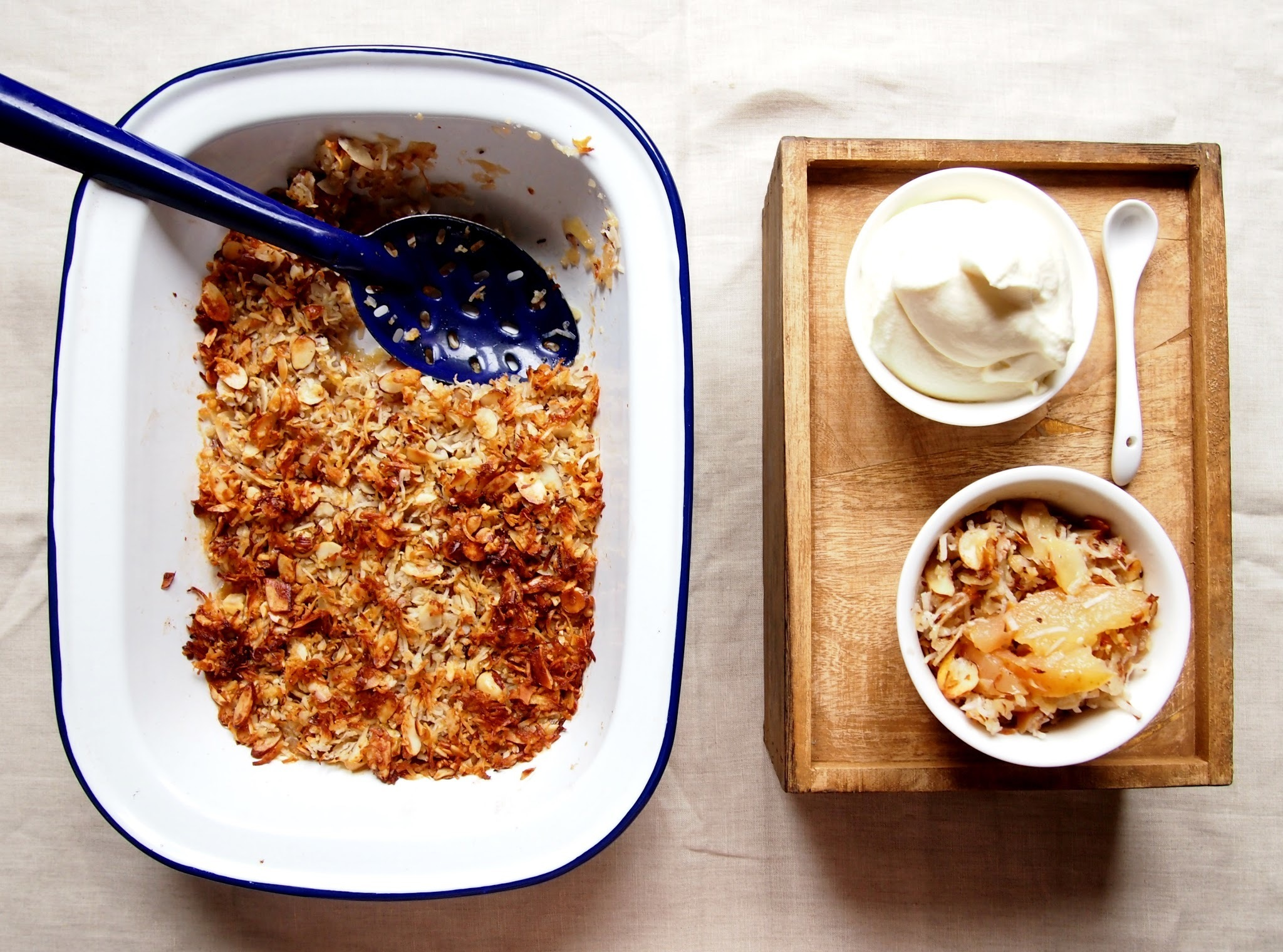 kiwifruit, apple and coconut crumble