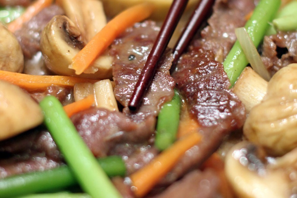Stir Fried Beef, Garlic Sprouts and Mushrooms