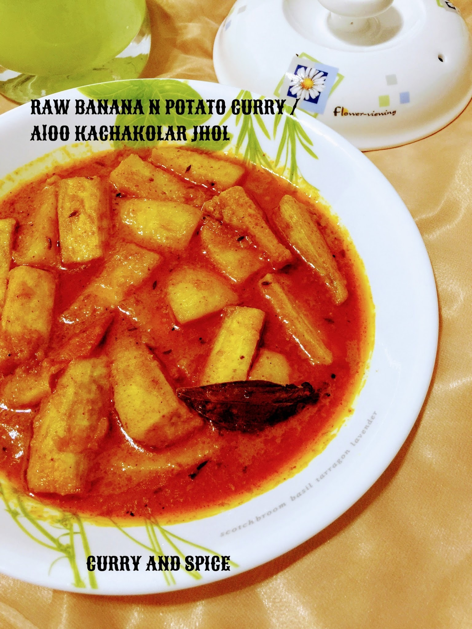 RAW BANANA N POTATO CURRY / ALOO KANCHAKOLAR JHOL