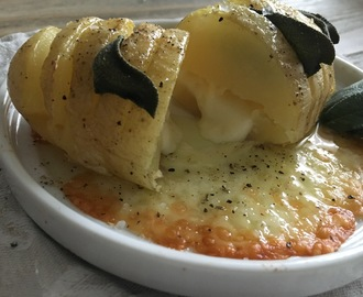 Patate Hasselback con sorpresa all'Asiago