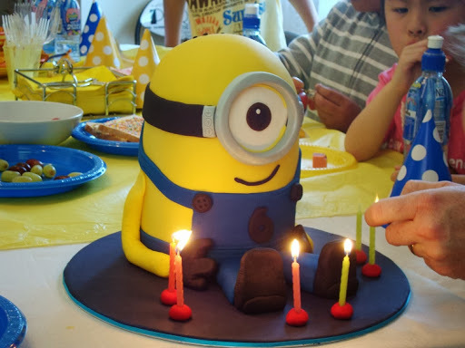 A Minion Cake (from Despicable Me) for my big 6 year old!