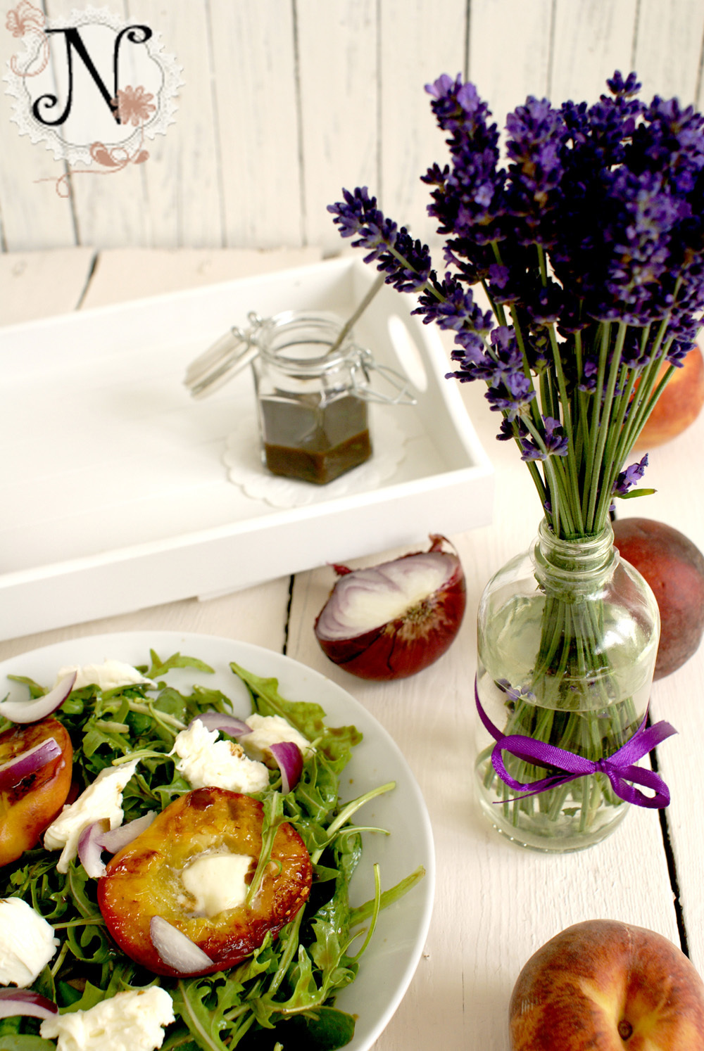 Healthy recipe: Grilled Peach Salad with Buffalo Mozzarella and Arugula / Solata s pecenimi breskvami, mocarelo in rukolo
