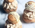 white chocolate mocha cupcakes with lemon macarons {macaron recipe only}.