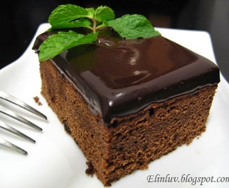Chocolate Cake With Rich Chocolate  Ganache