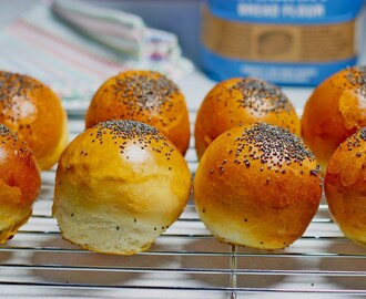 Easy Mini Bread Rolls