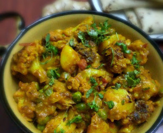 Adraki Aloo Gobhi (Potato n Cauliflower curry with Ginger flavour)