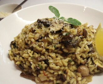 Mushroom risotto with dried porcini mushrooms