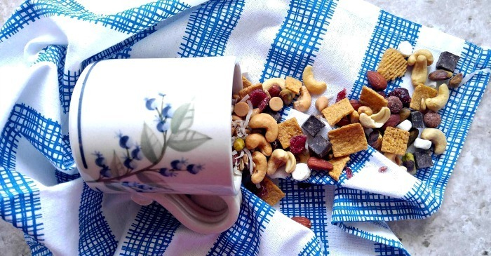 S'mores Trail Mix – Fun & Tasty Snack