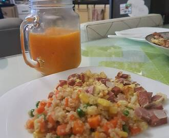 Sausage omelette + quinoa with veggies + blended oranges. #saturdaymornings #brekky #BTMcooks #happyhealthyawesome