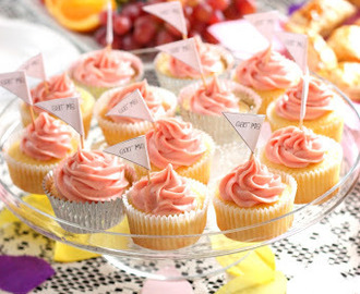 Lemon & olive oil cupcakes with raspberry cream cheese frosting v2.0