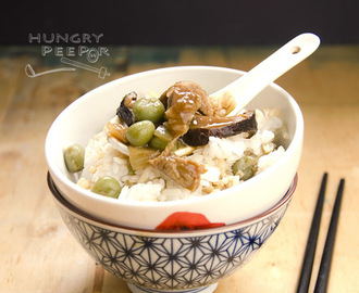 家常便饭 - Chinese Stir-Fry With Green Peas, Pork & Mushroom