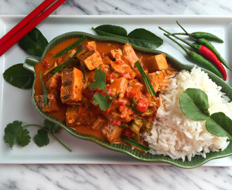 8-Ingredient Vegan Thai Keffir Lime & Red Curry Chicken – for the Slow Cooker or Stove Top