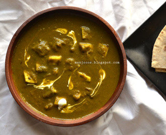 Palak Paneer | Indian cottage cheese in spinach gravy