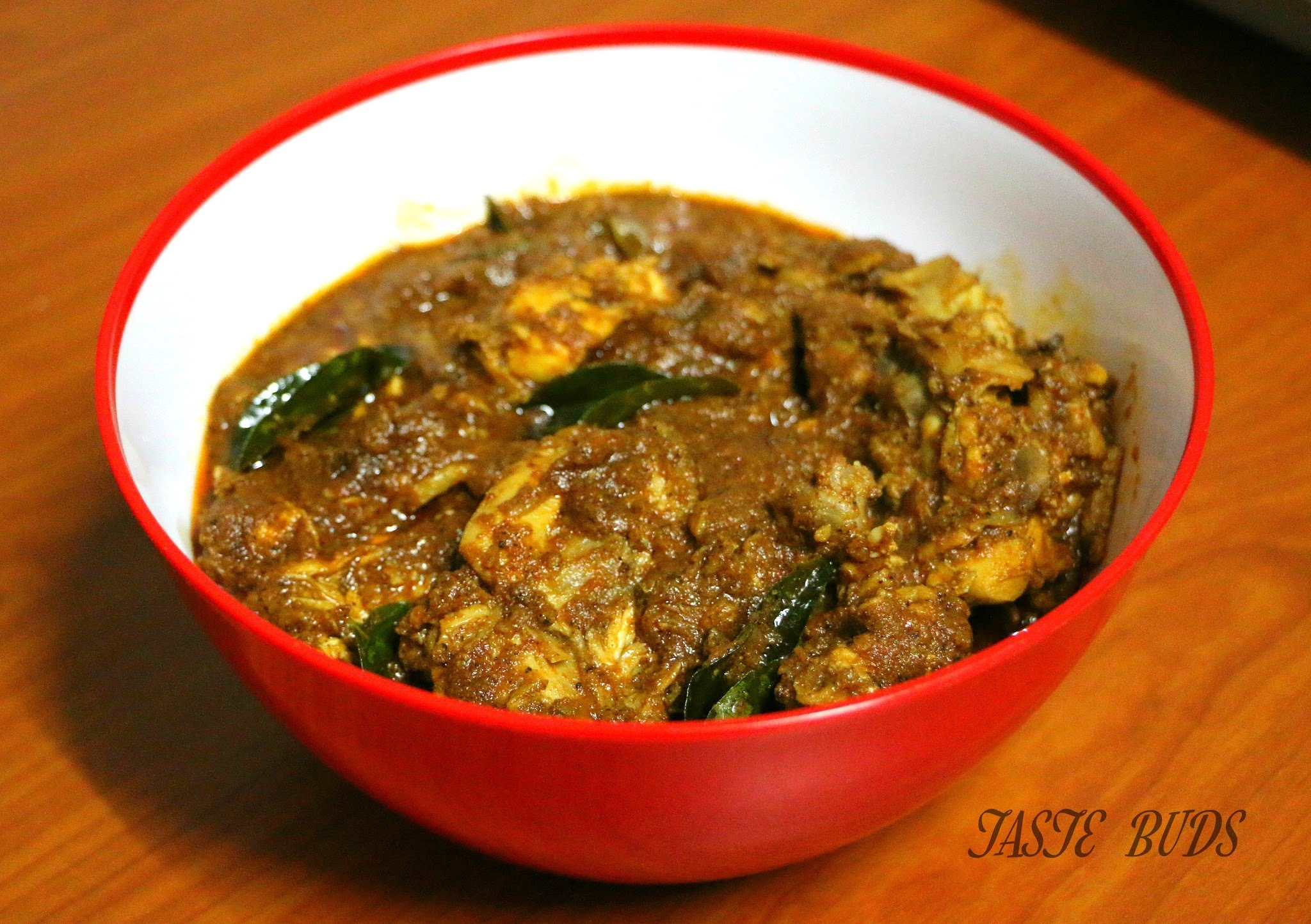 Roasted Coconut / Varutharacha Chicken Curry