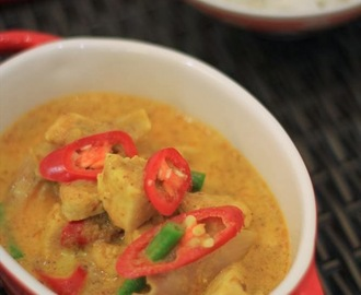 Recipe: Thai Yellow Curry Chicken + PSA: Stop Hunger Now (WORLDFOODS)