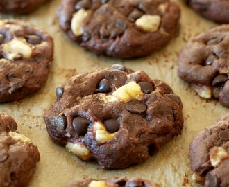 soft and chewy double chocolate banana cookies