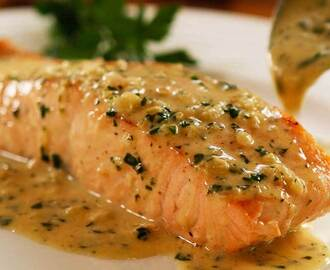 Perfect Pan Seared Salmon with Lemon Butter Cream Sauce -