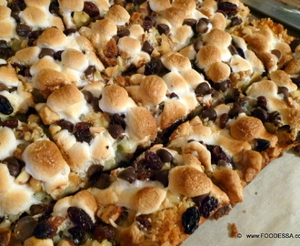 Latin style Seven layer MAGIC cookie BAR