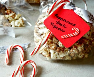 Peppermint Bark Popcorn #SundaySupper