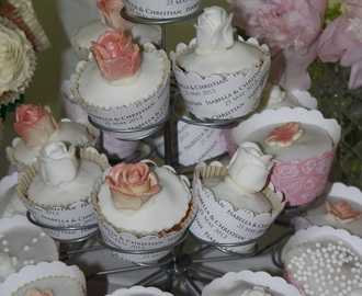 Wedding Cupcakes, How to Make Sugar Flowers and some Reviews