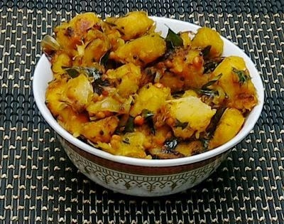 Sweet Potato Spiced Curry (Sarkkaraivalli Kizhangu Kaara Curry)